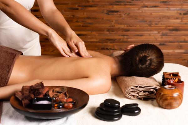 Per i tuoi massaggi in centro a Milano scegli l'istituto di bellezza Dafne