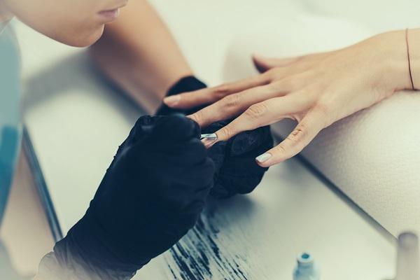 Manicure in centro a Milano da Centro Estetico Dafne