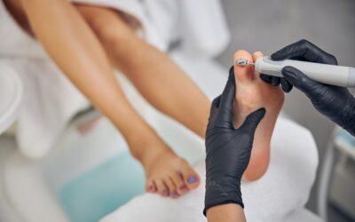 Desiderate piedi a prova di sandali? Si può con la pedicure curativa a Milano di Dafne